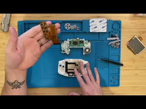 Modding a Game Boy Advance With Griffin McElroy MaxFunDrive 2020