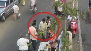 Mobile Pick Pocket Gang | Caught By CCTV Cam | Live Crimes in India | Tirupati Traffic Police