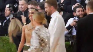 Robert Pattinson & FKA Twigs plus Kristen Stewart at Met Gala 2016