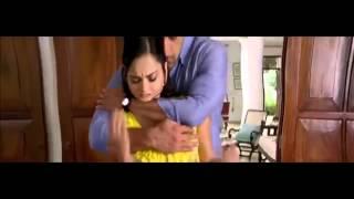 Sunny Leone's Boobs Grabbed Hard in Jism 2