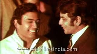 Randhir Kapoor marries Babita Shivdasani  (parents of Karisma & Kareena) - marriage ceremony 1971