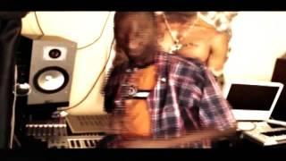 Stone - Dougie B Remix(wanageuza vichwa).mp4