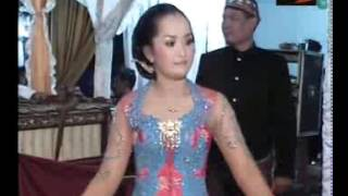 Kartika Raras - dangdut Gala gala by INDRI SHANUM