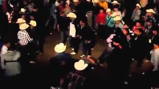 Putasos en el baile con grupo legitimo