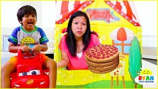 Ryan Pretend Play Pizza Delivery Cooking Playhouse!!!