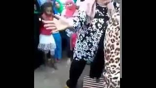 اجمد بنت ترقص في تنجيد رقص مصرى فااااجر