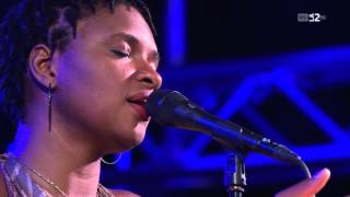 Lizz Wright & Raul Midon - Hit the Ground - live version