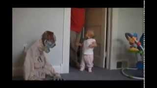 Asustando niños