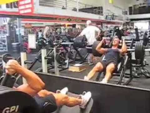 WBFF World Fitness Model Championships Video Blog. Video 11 Quads Gold s Gym Venice