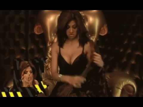 Shilpa Shetty Hot Saree Removal Boob Show