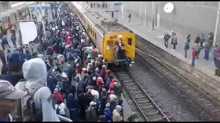 Overcrowding on Cape Town train