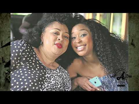 Top 10 SA Celebrities Who Bought Their ParentsFamilies Gifts,Minnie Dlamini, Thando Thabethe