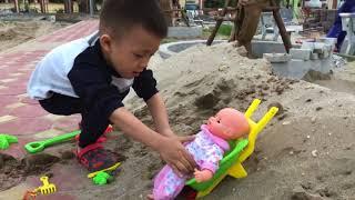 で色を学ぶ 赤ちゃんの幼児 砂型の動物 - 子供のための色づ - 子供 おもちゃ   The Surprise For Kids
