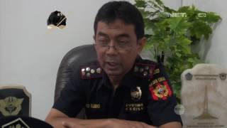Operasi Pasar, Petugas Temukan Banyak Rokok Ilegal di Warung Klontong - Customs Protection