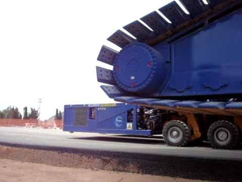 Transport of 1400 tonnes crane