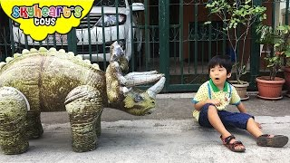 We found a GIANT TRICERATOPS! --- Playtime with Dinosaur toys for kids chase feeding