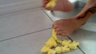 Peeps Verse My Feet