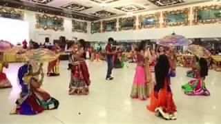 Garba dance cute girl II char char bangdi vadi gadi II Gujarati garba dance