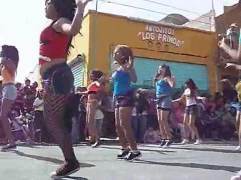 Desfile del 20 de noviembre. Matamoros Coahuila. chicas en tanga