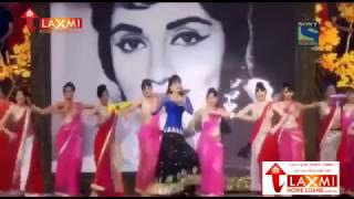 Kriti sanon dance performance in 61 filmfare awards