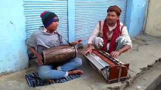 Kumauni vidio song by a poor man nd her child