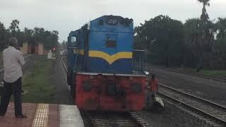 Srilankan train engine change in palai .