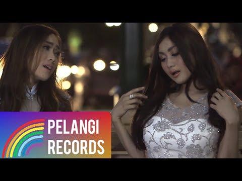 Dangdut - Duo Serigala - Sayang (Official Music Video)   Versi Bahasa Indonesia