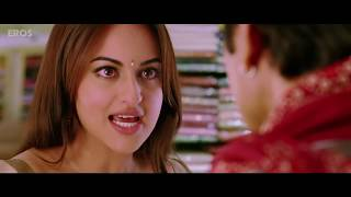 Sonakshi Sinha caught undressing - Rajkumar