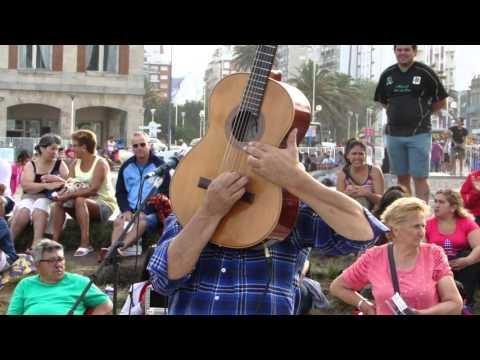 Un genio de la Guitarra en la Rambla de Mar del Plata 03 01 2016