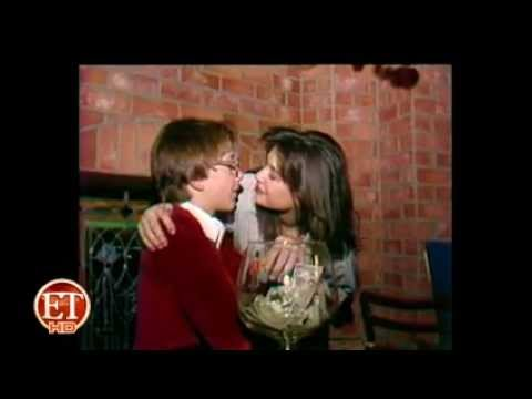 Demi Moore Passionately Kissing Boy (Full Video)