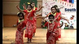 Bengali dance performance by Girls of South End Public School at the Annual day Colors