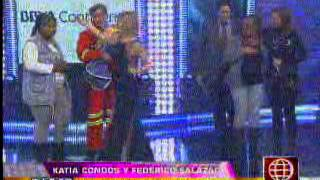 Katia Condos sufrió una fuerte caída en el set de 'El Gran Show': se dislocó el hombro