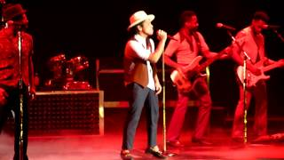 Bruno Mars  Opening  Moonshine Live At O2 World Berlin 28102013 Hdhq