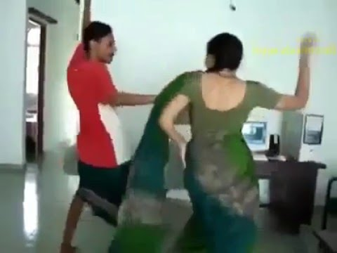 Hot indian aunty lungi dance
