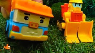 DANGER CLIMBING TREES! - Robocar Poli Toy Trucks Party Stories for kids - Kids Learning Videos