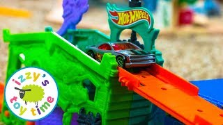 Cars for Kids | Hot Wheels GHOST GARAGE Fast Lane Playset | Fun Toy Cars for Kids Pretend Play