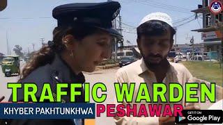 پشاور ٹریفک وارڈن  ڈی ایس پی شازیہ شاہد مہمند اور شاہین سکواڈاضافہ کرایوں کے لیے کریک ڈاون