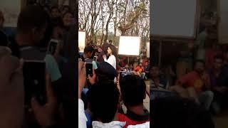 পাবনাতে আসা মাহিয়া মাহি নতুন ছবির ভিডিও(1)