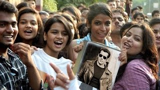 Salman Khan Reacts On Fans Who CRIED For Him Outide His House For His Accident Case