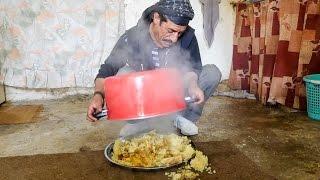 Arabic Food in Jordan - HUGE MAQLUBA (مقلوبة) Upside Down Chicken Rice Platter!