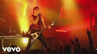 Bullet For My Valentine - Raising Hell (Live)