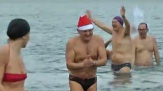 Napoli - A Marechiaro bagno ghiacciato per il Cimento di Capodanno (01.01.16)