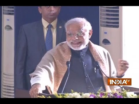 watch PM Modi Takes a Dig at Rahul Gandhi and Opposition in his Speech in Varanasi