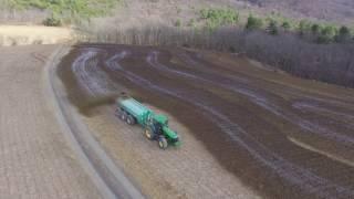 Spreading Liquid Cow Manure   John Deere 8420 Houle 6300