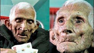 تركته عائلته في دار المسنين ، و قبل وفاته ترك  لهم شئ أسفل وسادته جعلهم يبكون دم
