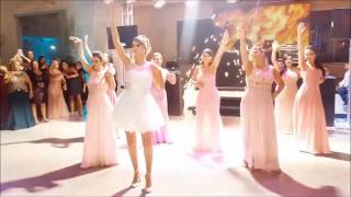 Noiva surpreende ao dançar Deu Onda, Anitta, Ludmilla, após ser desafiada pelas Tias