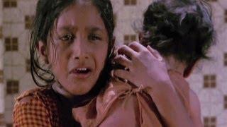 Amma Ek Roti De - Lata, Usha Mangeshkar, Samaj Ko Badal Dalo Song