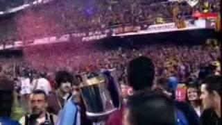 لحظات تتويج برشلونة بكأس الملك مع اغنية رائعة
