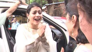 Kajol begs to mom Tanuja in PUBLIC | Funny Video