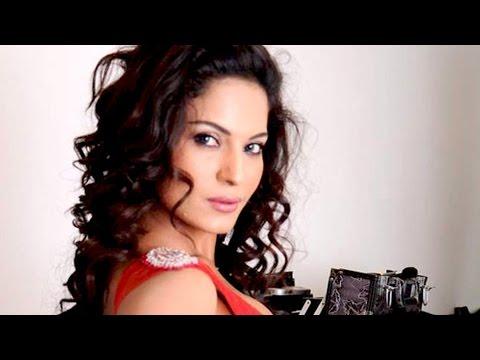 Veena Malik's Hot scenes in Nagna Satyam